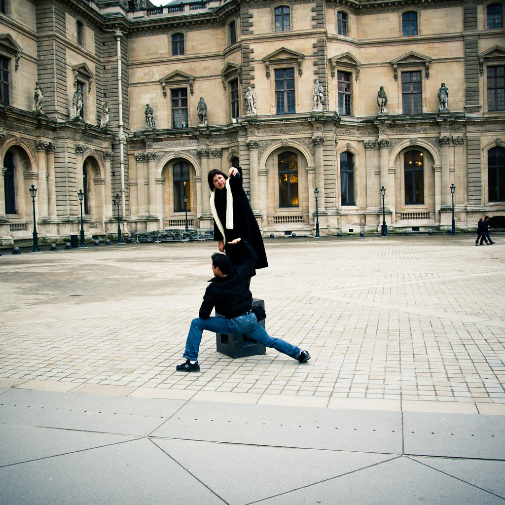 Complex acrobatics for tourists, Paris