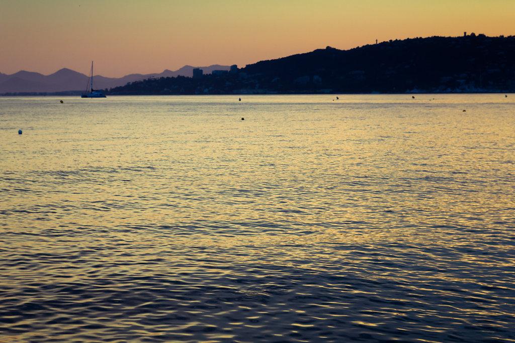 La mer d'or, Juan-les-pins