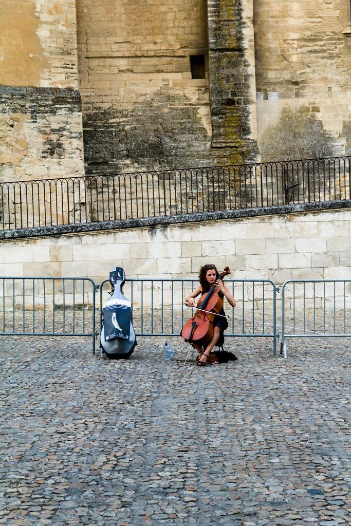 Street performer, Avignon