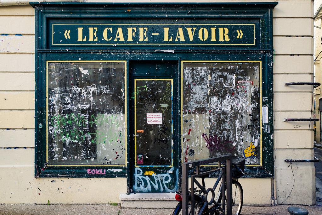 Le Cafe Lavoir, II