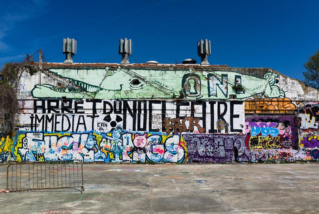 Arrêt immédiat du nucléaire graffitti, Avignon
