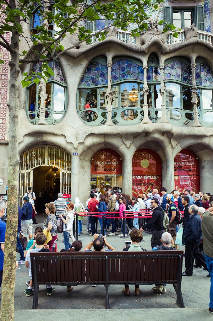 Queueing for Casa Batllo, Barcelona