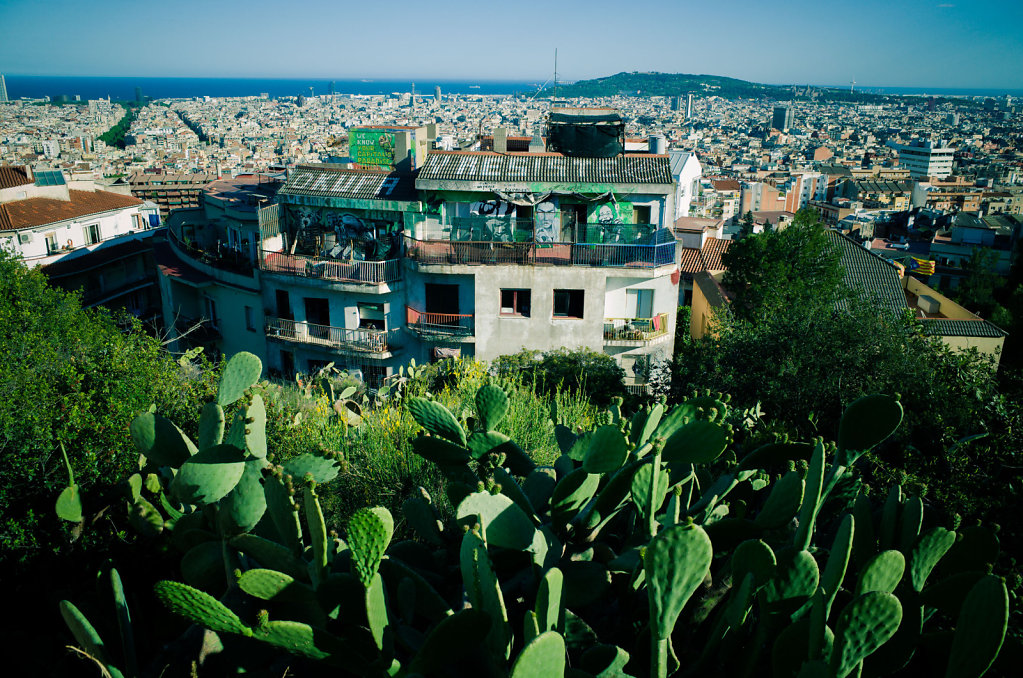 Okupa y resiste, Barcelona
