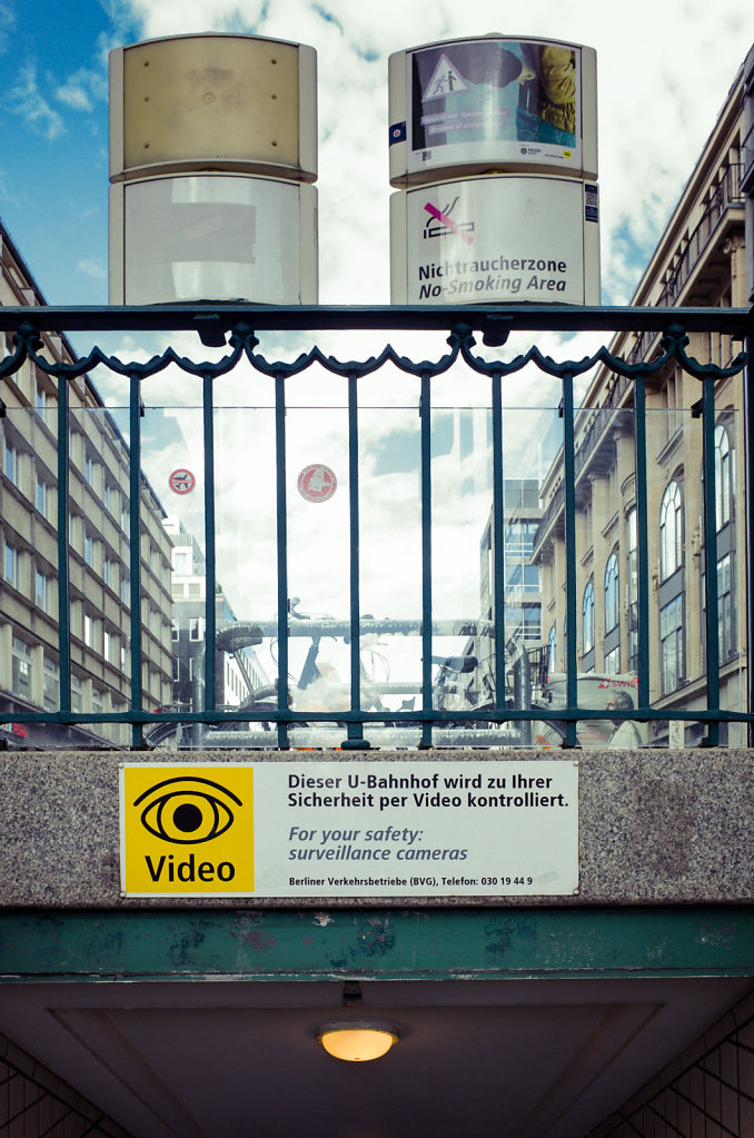 Video surveillance warning