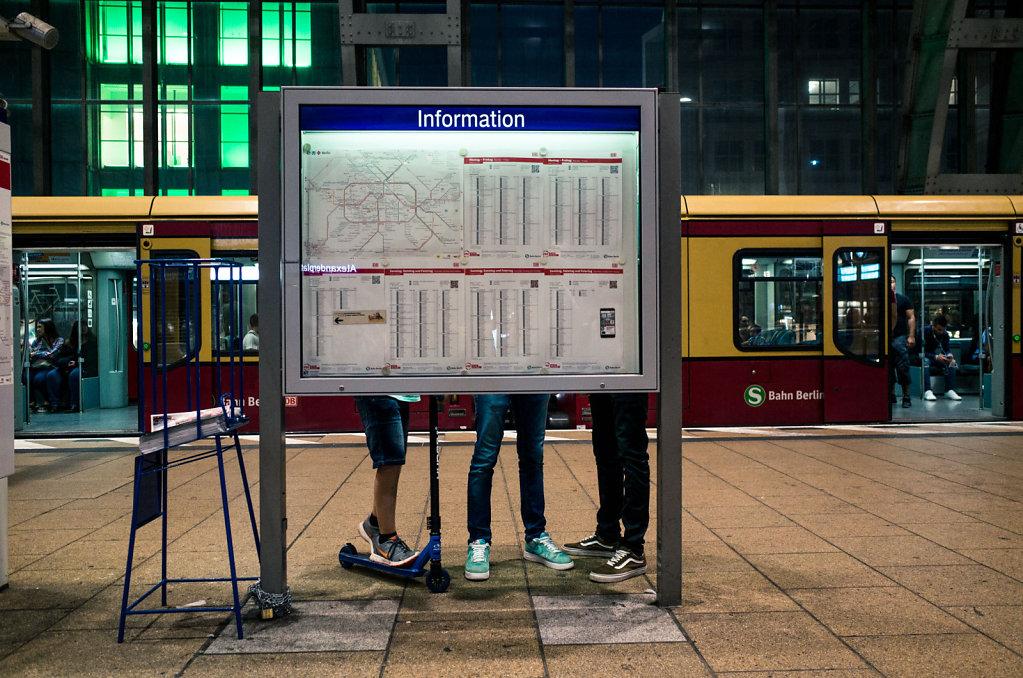 Information, Alexanderplatz, Berlin