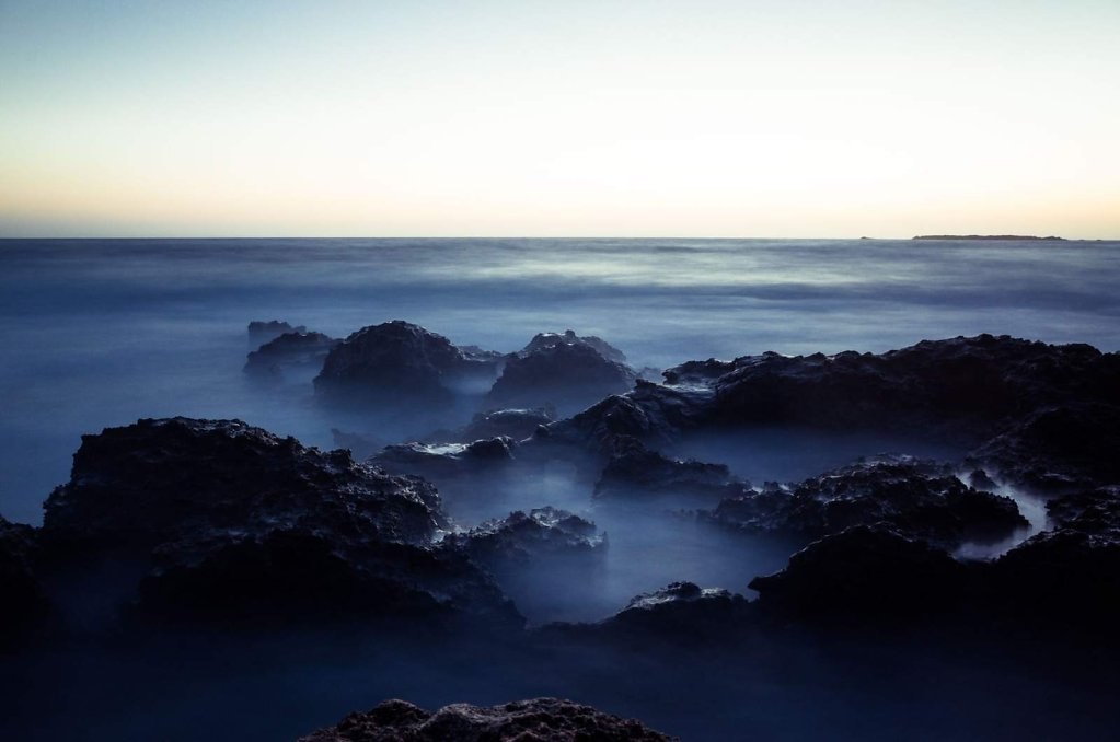 Fog on the rocks