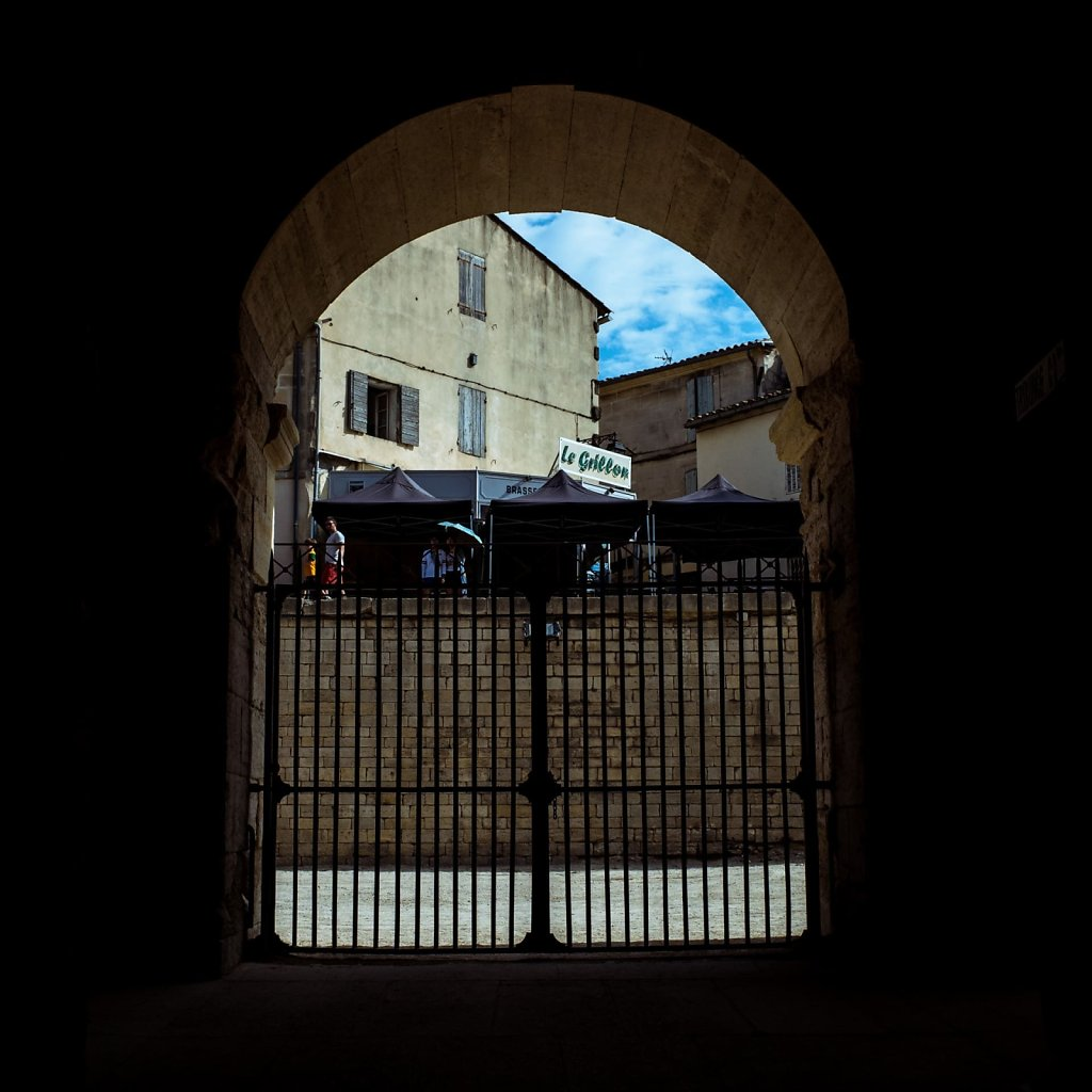 Through the gates of Les Arenes d'Arles