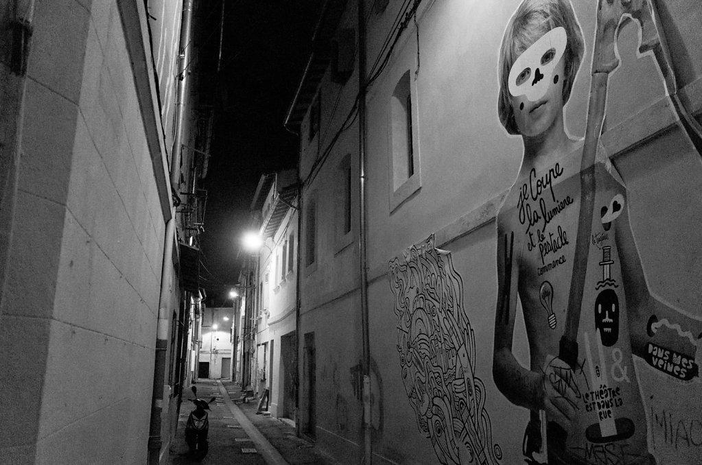 Le pestacle commence, Avignon