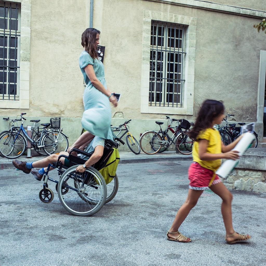 Balancing act, Avignon
