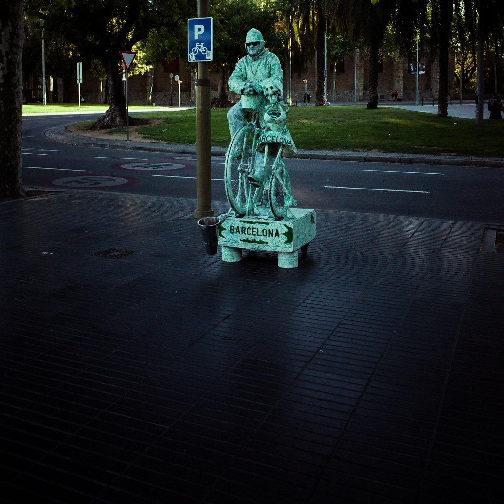 Street performer on las Ramblas, Barcelona