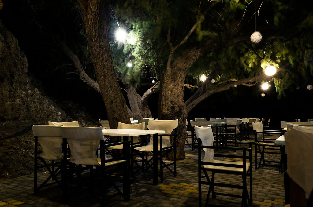 Empty taverna seating