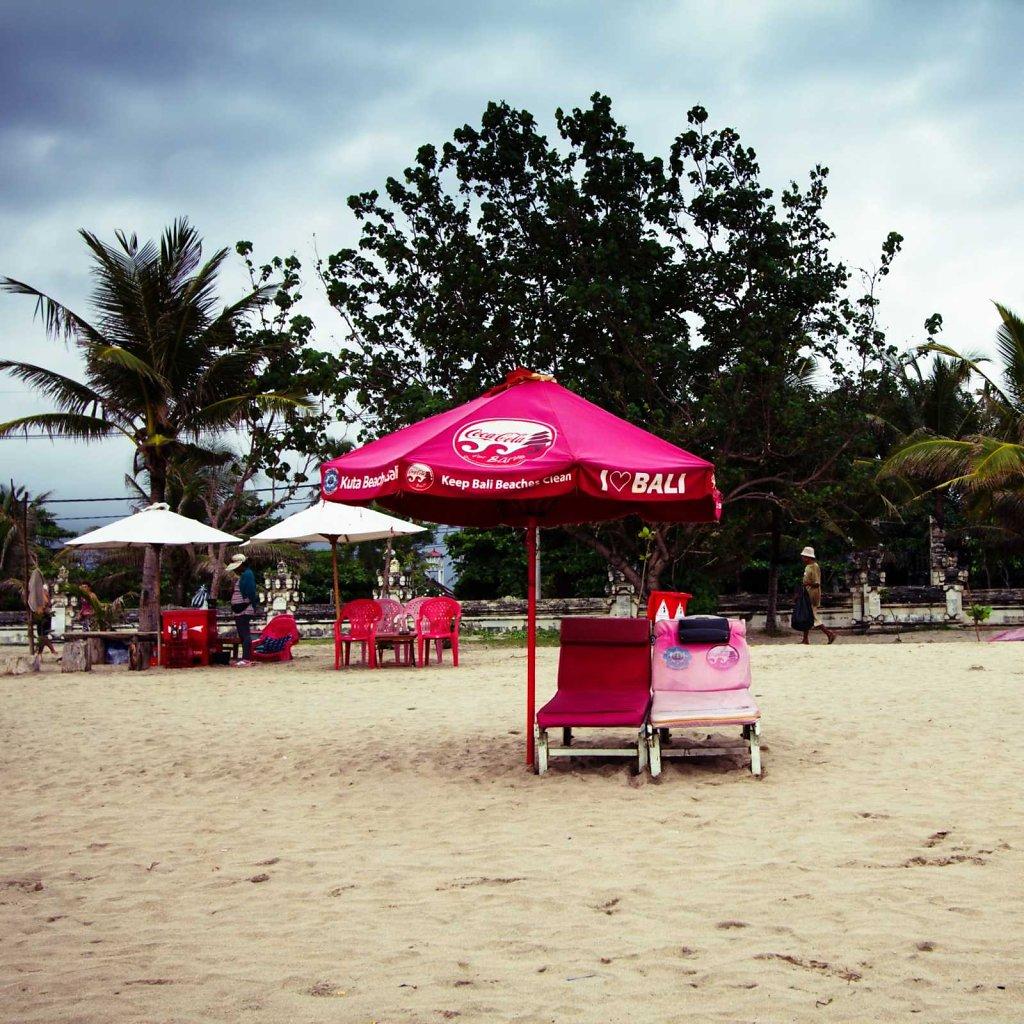 Keep Bali beaches clean