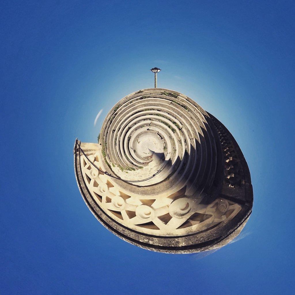 Sea shell with light pole