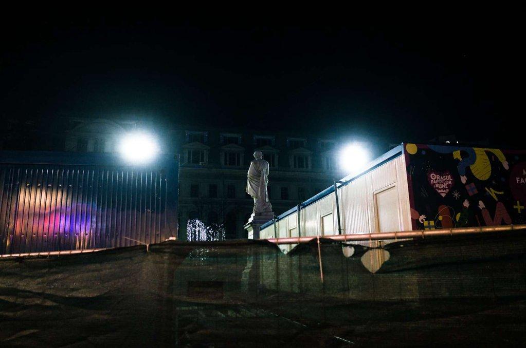 Facing the spotlights, Bucharest