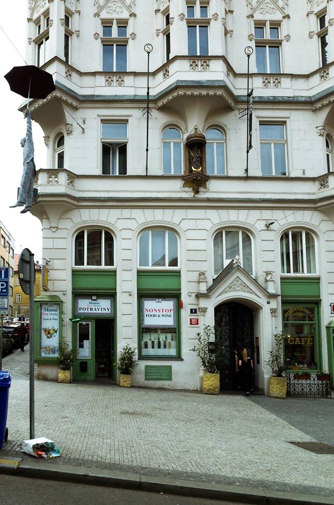 Nonstop food & wine, Prague